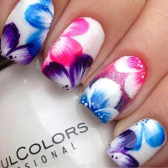 9 simple flower nail art designs for beginners styles at life flower nail art prinsesfo Gallery
