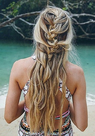 25 Best Beach Hairstyles With Pictures | Styles At Life