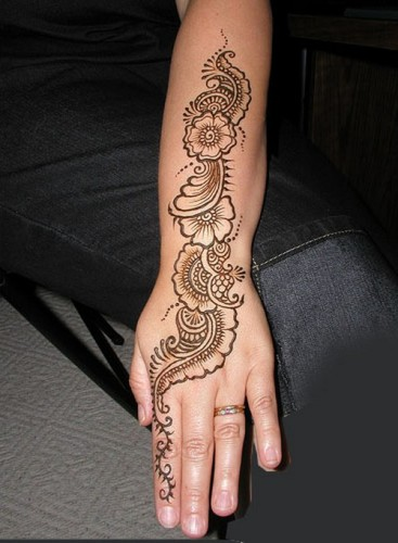 Full Hand Mehndi Designs 19