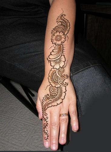 Full Hand Mehndi Designs 19