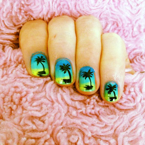 Gradient texturizing palm tree nail art