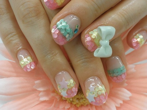 Kawaii bow, rhinestones and stars nails