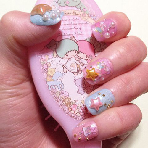 Kawaii stars and pearls nail art
