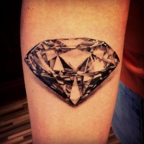 3D Diamond tattoo