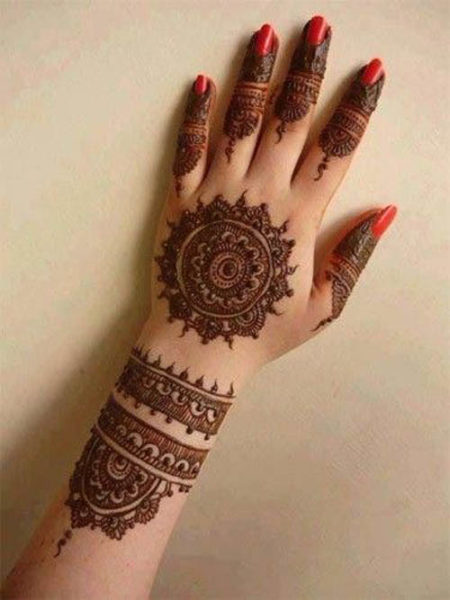 Beautiful Circular Mehndi Designs