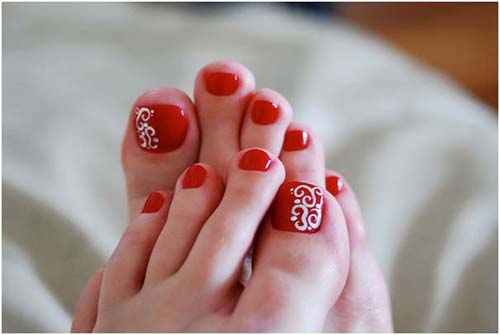 Big Toe Nail Art: Keep it simple with a design ... - 9 Simple And Easy Toe Nail Art Designs For Beginners