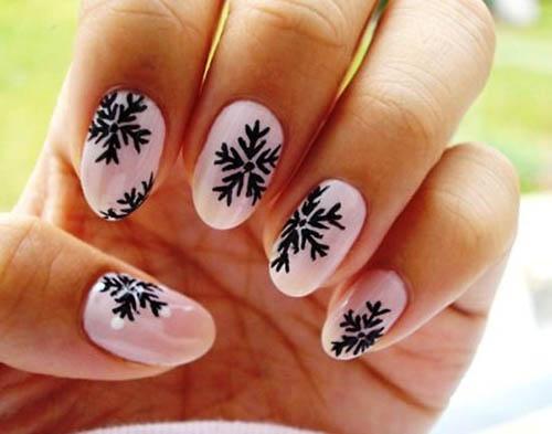 Black Snowflake Nail Art: