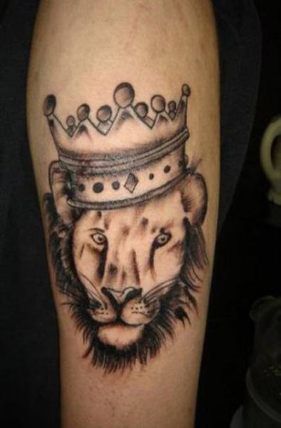 15 best crown tattoo designs with meanings styles at life. Black Bedroom Furniture Sets. Home Design Ideas