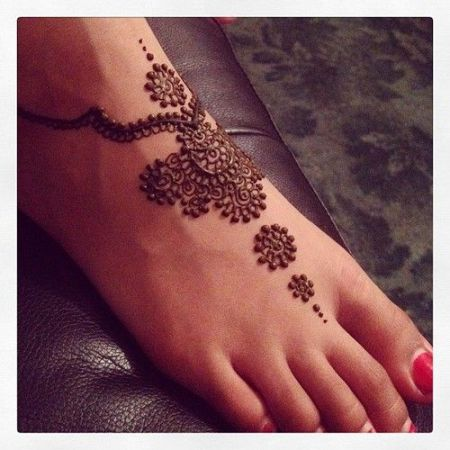 Decorative Feet Motifs