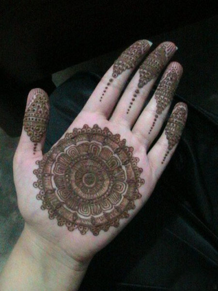 Traditional Circle Mehndi Designs : Cute and easy round mehndi designs with pictures