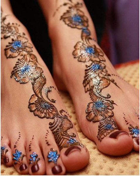 15 Trendy Foot Mehndi Designs with Pictures | Style At Life