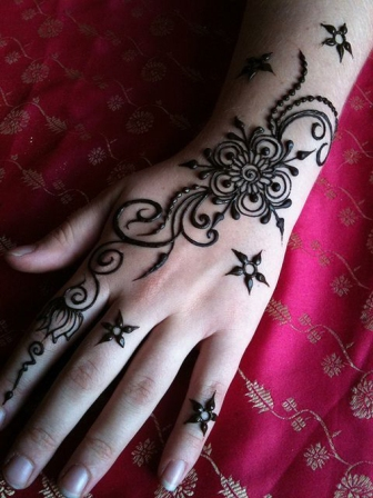 20 adorable mehandi designs from 2012 to 2017 with pictures. Black Bedroom Furniture Sets. Home Design Ideas