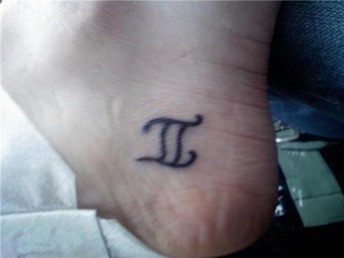 miniature-gemini-tattoo