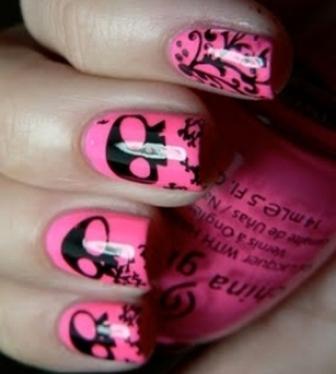 Pink-Skull-Nail-Art