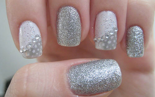9 best silver nail art designs styles at life the simple silver nail art looks chic and fashionable it is studded with some rhinestones which give it a lively and pretty expression prinsesfo Image collections