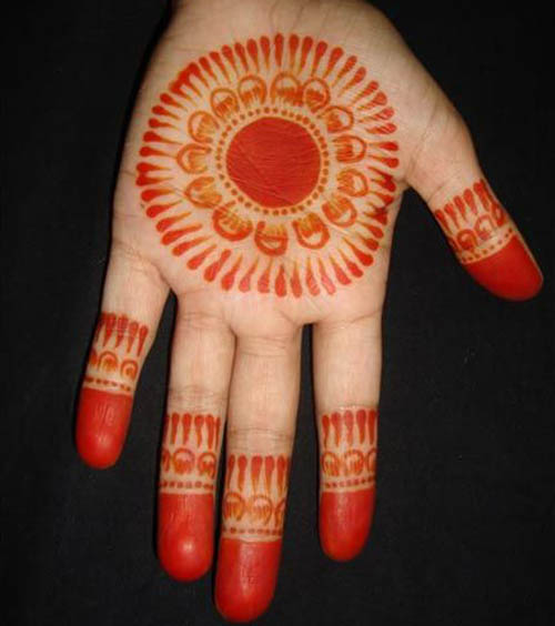 Simple Coloured Round Mehndi Designs for Hands