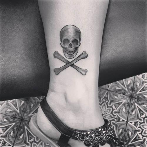 skull tattoos for women