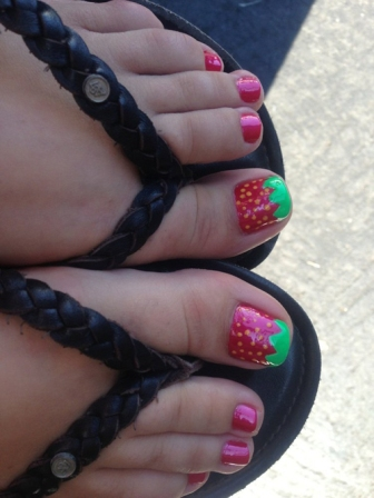 9 cute strawberry nail art designs styles at life nail art prinsesfo Image collections