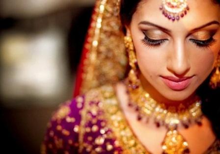 Indian Bride using Fake Eyelashes
