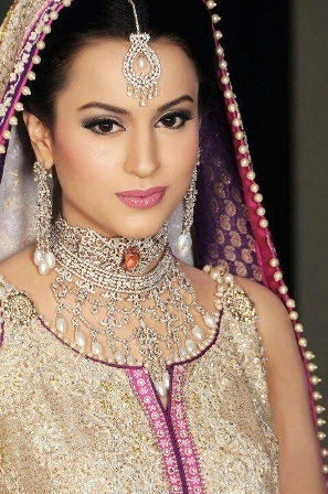 Light Rosy Makeup Look Apart From All The Bridal