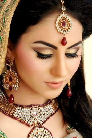 30 trending wedding day makeup looks for indian bride 2019