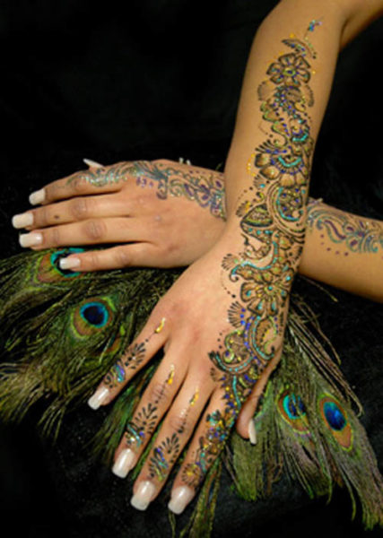 Mehndi Tattoo Peacock Feather : Stunning glitter mehndi designs with pictures styles