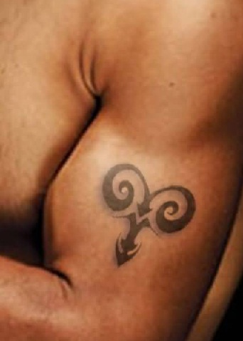 aries-tattoo-for-men-on-biceps13