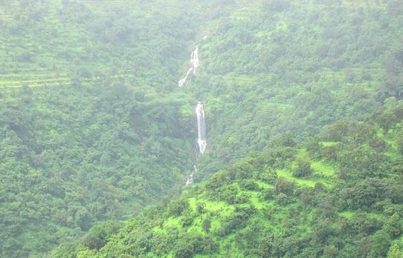 Best Waterfalls Near Mumbai-Bhilar falls