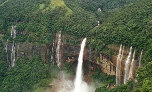 The Calm Vangni Falls