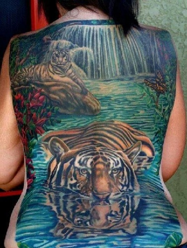 blue-color-tiger-tattoo-on-women-back13