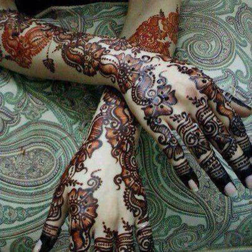 Elaborately shaded mehndi designs