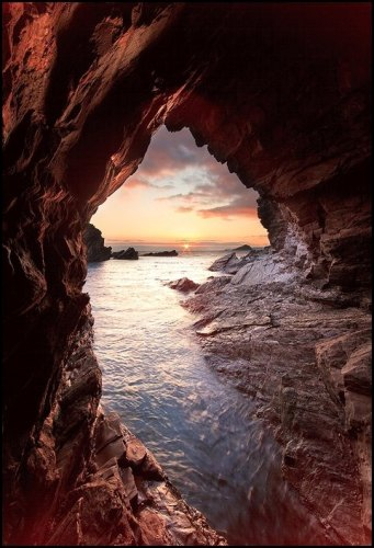 The World's 16 Most Incredible Sea Caves | HuffPost |Sea Cave