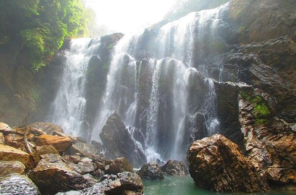 Famous Waterfalls in Karnataka-Sathodi Falls