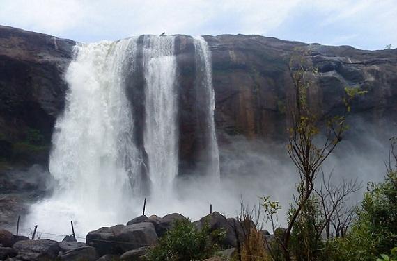 Famous Waterfalls in Kerala-Athirappalli Falls