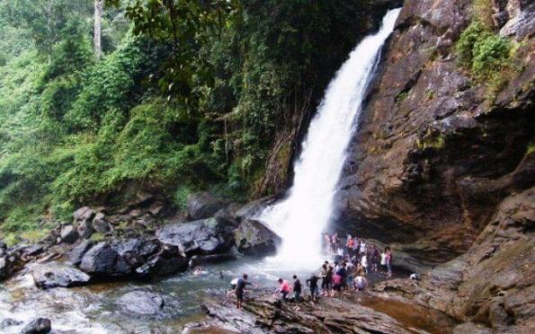 Famous Waterfalls in Kerala-Chethalayam Falls