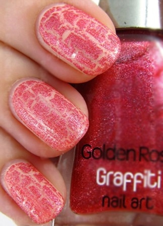 Girly-Graffiti-Nail-Art