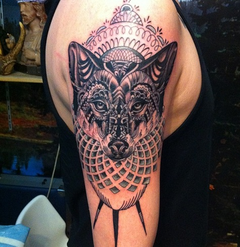 indian-pattern-wolf-tattoo-design-20