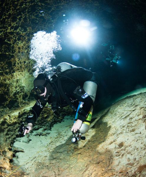 cave-diving places