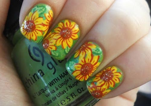 Pretty Sunflower Nails