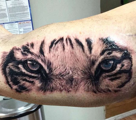 realistic-tiger-eyes-tattoos11