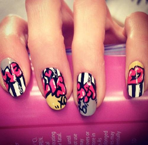 graffiti nail art