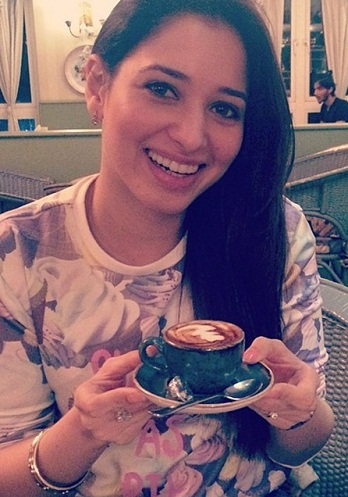 tamanna-in-casual-look-at-coffee-day-cafe11