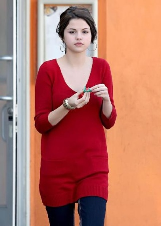d26ba4c3c0ac69 8 Pictures Of Selena Gomez Without Makeup
