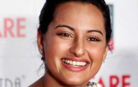 10 best images of sonakshi sinha without makeup  styles