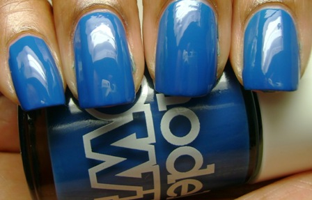 True Blue Nail Paint Designs with Shades