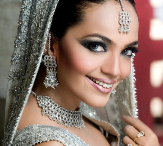 Indian Bridal Eye Makeup: 30 Best Beautiful Indian Brides With Pictures