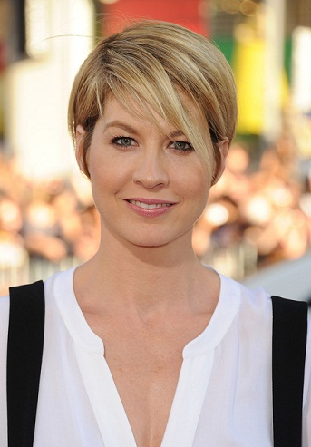 Very Short Pixie Round Face Hairstyle Female