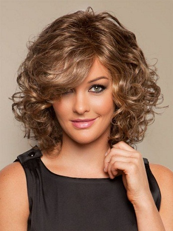 Curly Bob Hair Cut For Round Face