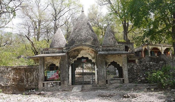 beatles-ashram_rishikesh-tourist-places