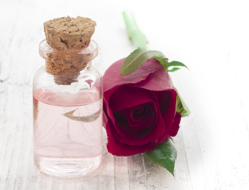 Best Beauty Tips for Pimples - Rose Water